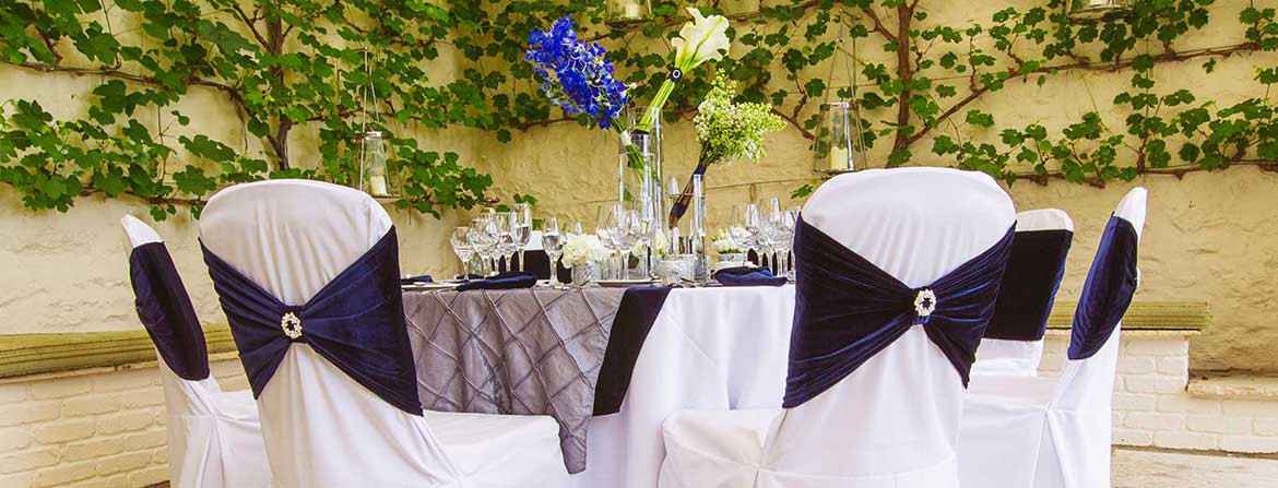 Simply Bows u0026 Chair Covers & Wedding Chair Covers Chiavari Chair Hire - Simply Bows u0026 Chair Covers